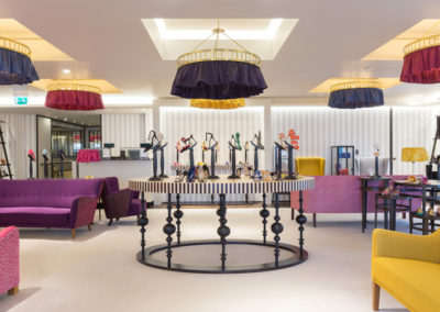 4-manolo-blahnik-boutique-at-harrods-shoe-heaven-london (1)